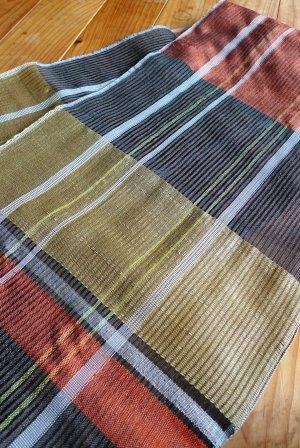 織り上がってすぐの 新作の楊柳。_f0177373_19325289.jpg