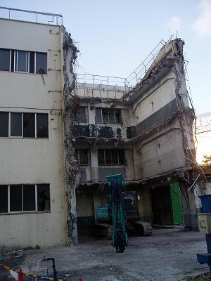 さよなら交通博物館 建物の解体状況(7) 5月中旬篇_f0030574_2192414.jpg