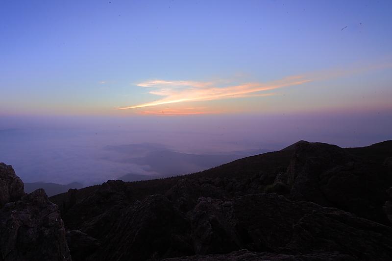 早池峰の夕と朝_f0075075_2039598.jpg