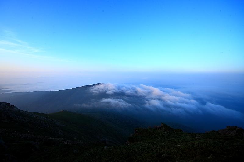 早池峰の夕と朝_f0075075_2047258.jpg