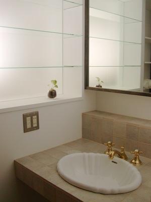 洗面室にも、_d0162179_0312033.jpg