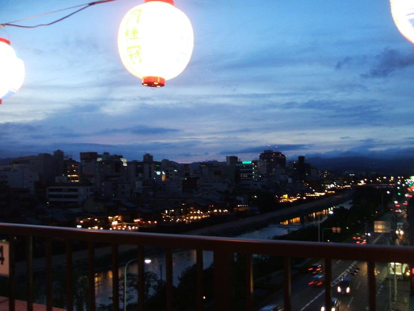 祇園からの眺め最高のビアガーデン_d0162300_22243673.jpg