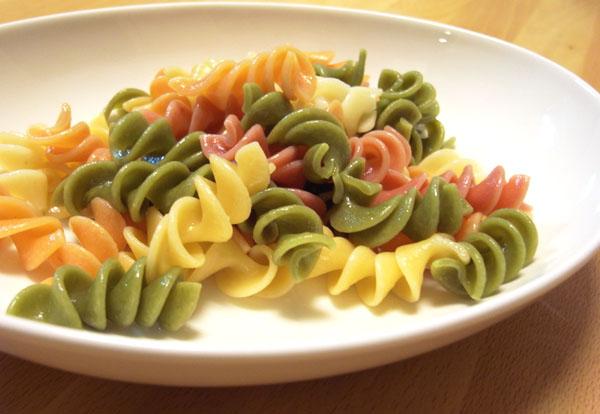 【パスタレシピ】 5色フジッリのポテトサラダ_f0214716_0115452.jpg
