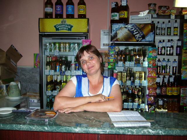 キオスクのおばさん_f0183278_23221281.jpg