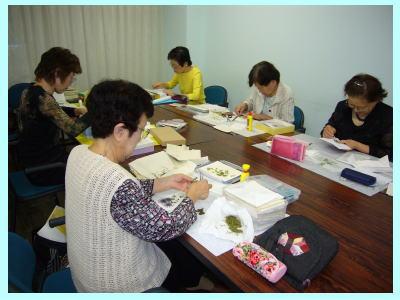 押し花教室_c0113948_1725778.jpg
