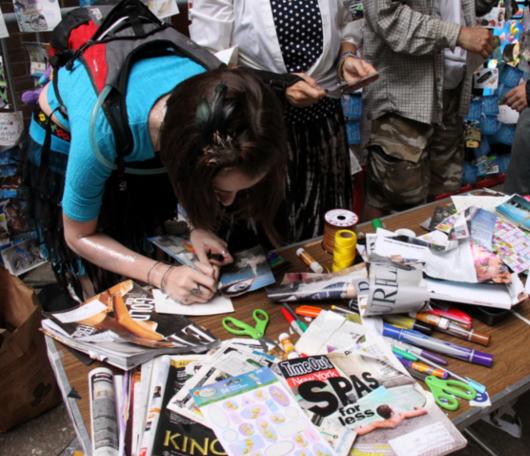 NYのアートのお祭りで見かけた参加型アート_b0007805_2148555.jpg