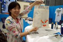 宇宙ヨット「イカロス」の帆 by JAXA/チャリティ「Tシャツアート展」3日目@日本財団ビル_f0006713_23513485.jpg