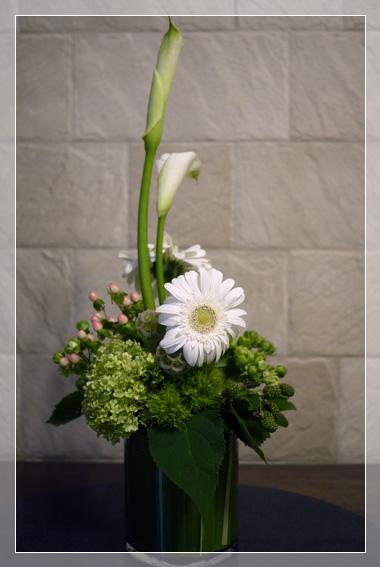 疲れる季節  お花もひと息_d0133320_0352348.jpg