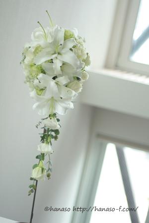 白と淡いグリーン 人気のユリブーケ_c0198981_1282629.jpg