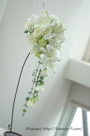 白と淡いグリーン 人気のユリブーケ_c0198981_1314637.jpg
