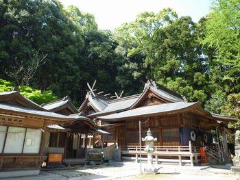 八剣神社(2)三柱の神々に受け継がれたのは草薙の剣だったよ_c0222861_1248197.jpg