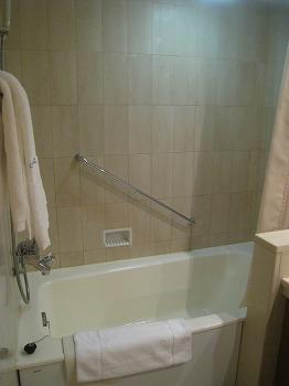 5月 ホテルオークラ神戸 スーペリアフロア DXツイン バスルーム_a0055835_15261966.jpg