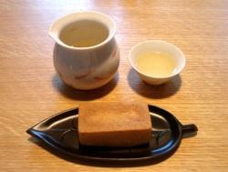 梨山茶と鳳梨酥_b0087556_19465661.jpg