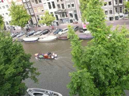 ちびクンクロ ヨーロッパへ行く(アムステルダム編)_b0182969_1273612.jpg