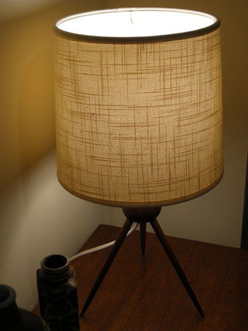 Teak table lamp (DENMARK)_c0139773_1922959.jpg
