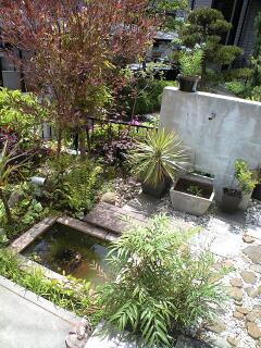水のガーデン☆簡単!お池の作り方_a0142778_17575248.jpg