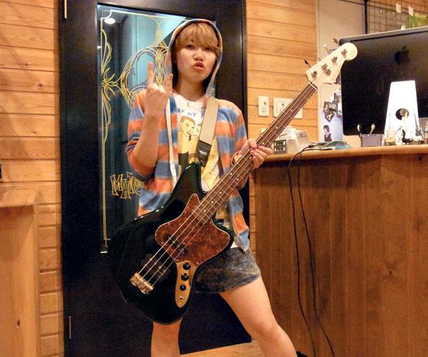 「チャットモンチー 福岡さん」と「Psychomas Bass」_e0053731_15112518.jpg