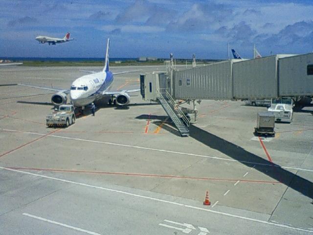 沖縄の風景 byケータイ さらば沖縄、また来る日まで_f0024992_125874.jpg
