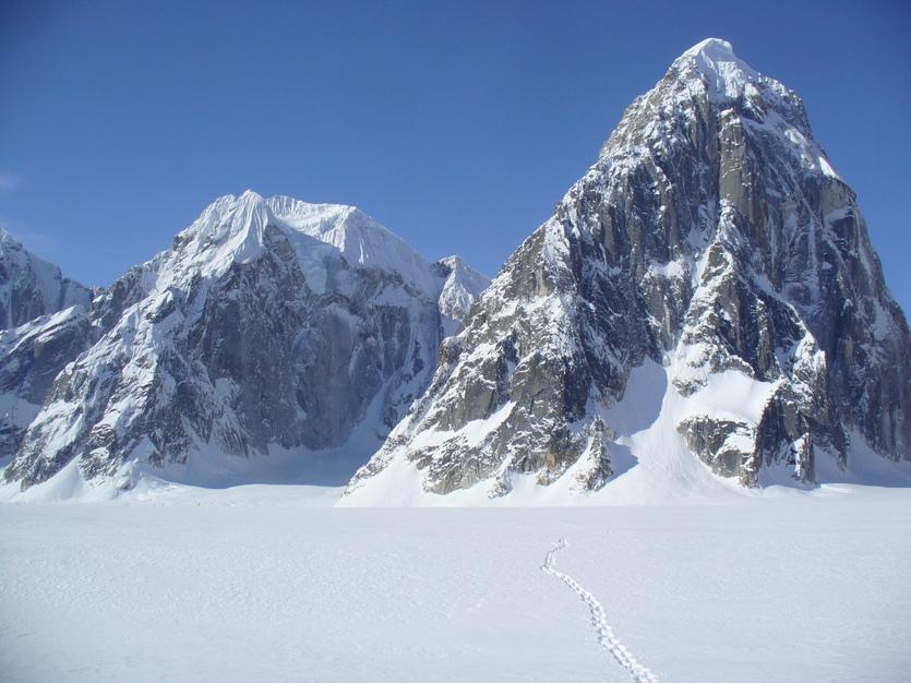 ルース氷河の山々_c0206900_0768.jpg