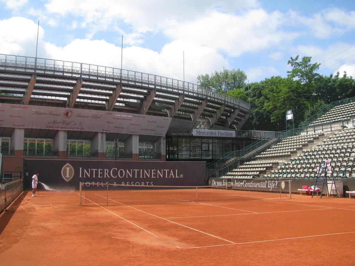 今日も朝からテニス!_c0180686_2052528.jpg