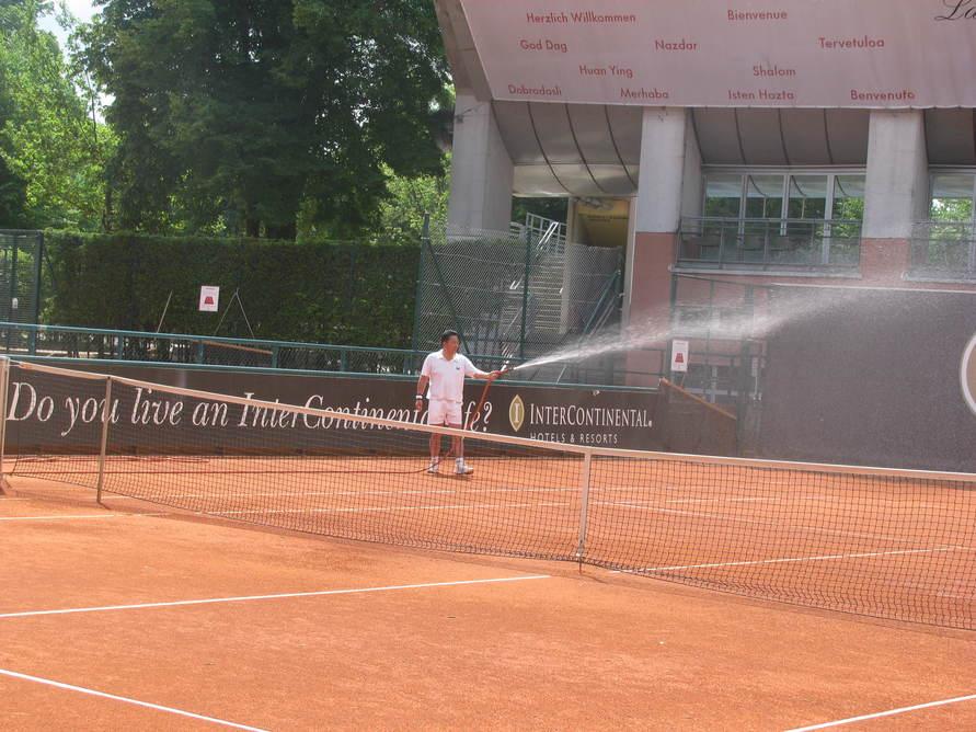 今日も朝からテニス!_c0180686_2164770.jpg