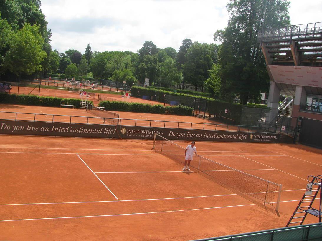 今日も朝からテニス!_c0180686_2172884.jpg