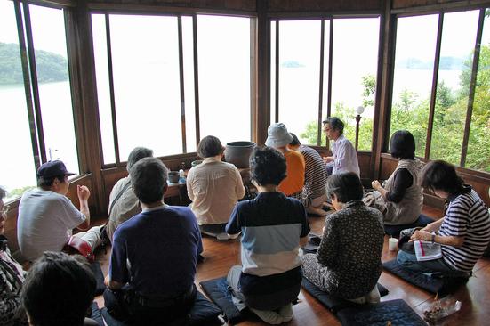 初夏の湖山池遊覧と阿弥陀堂見学会_f0197821_16504282.jpg