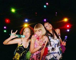 YA-KYIM新作CDは、「魔法の天使 クリィミーマミ」からのインスパイアード・ジャケット!!_e0025035_0305475.jpg