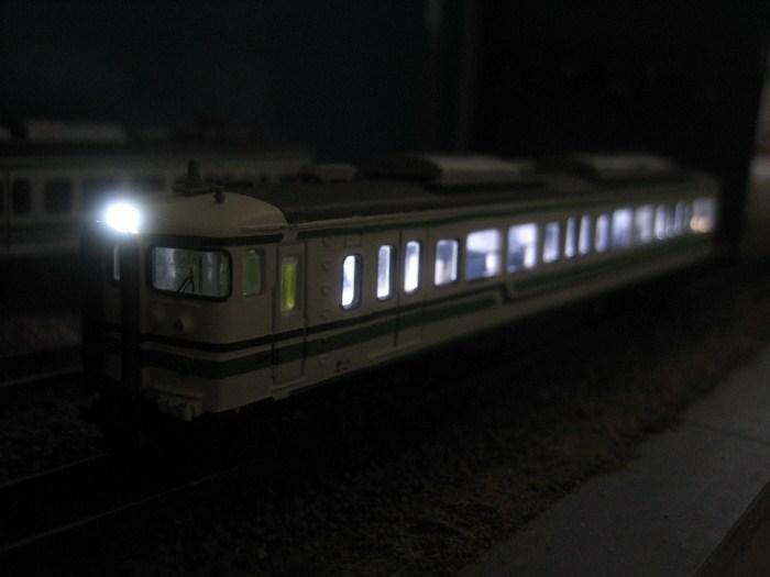 115系500番台新潟色の製作 その4_e0120143_2320120.jpg