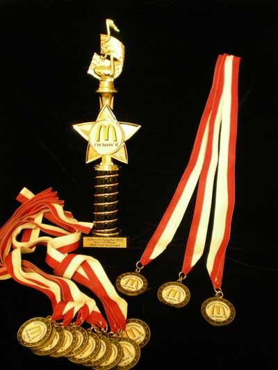 2010年歴史的瞬間!マクドナルド・ゴスペル・フェスト日本人が初めて出場し、優勝した日。松尾公子_f0009746_582282.jpg