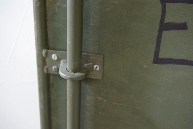 フランス軍の折畳テーブル_f0146547_1111183.jpg