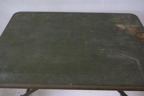 フランス軍の折畳テーブル_f0146547_11123120.jpg