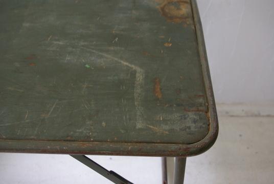 フランス軍の折畳テーブル_f0146547_11132363.jpg