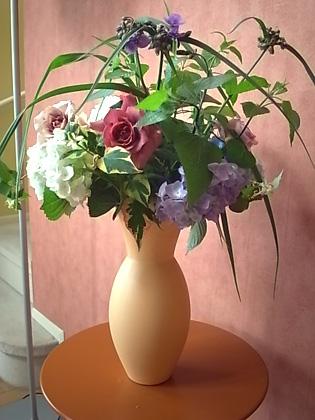 薔薇の一日教室@北鎌倉 【おまけ】侘助_b0051666_1720910.jpg