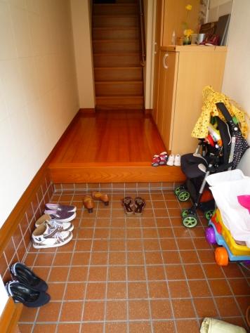下駄箱の収納 娘達の靴 何とかするぞ~(^0^)/_e0123286_19371162.jpg