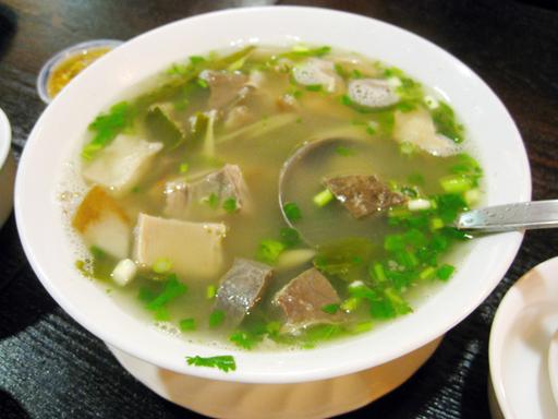 牛モツのスープ