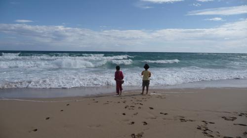 子供達と海辺のお散歩_f0106597_20385164.jpg