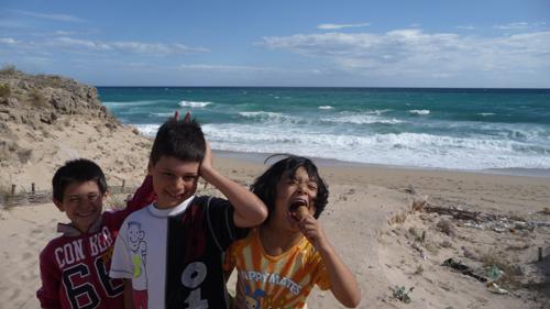 子供達と海辺のお散歩_f0106597_20454713.jpg