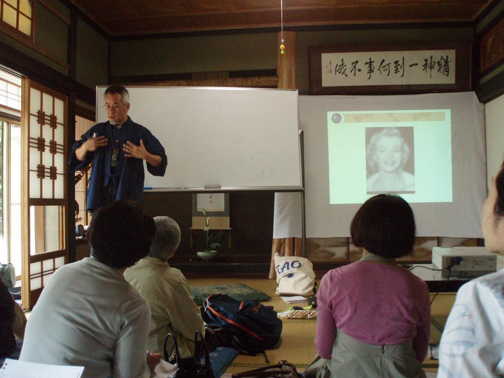 日本滞在記⑧ レベル2の後は波多野先生の講演会!_f0095325_22361135.jpg