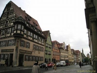 ローテンブルグ 到着:雨の石畳_c0134734_0432490.jpg