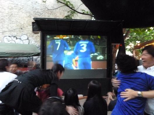 興奮!対デンマーク戦 日本3-1で勝利!_c0180686_17251281.jpg