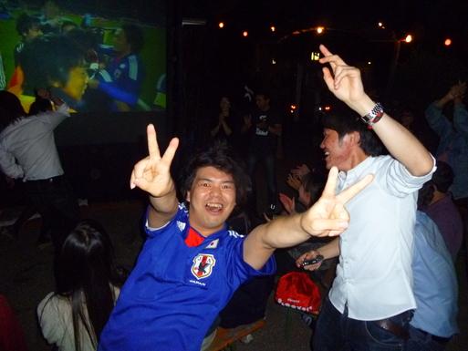 興奮!対デンマーク戦 日本3-1で勝利!_c0180686_1743988.jpg