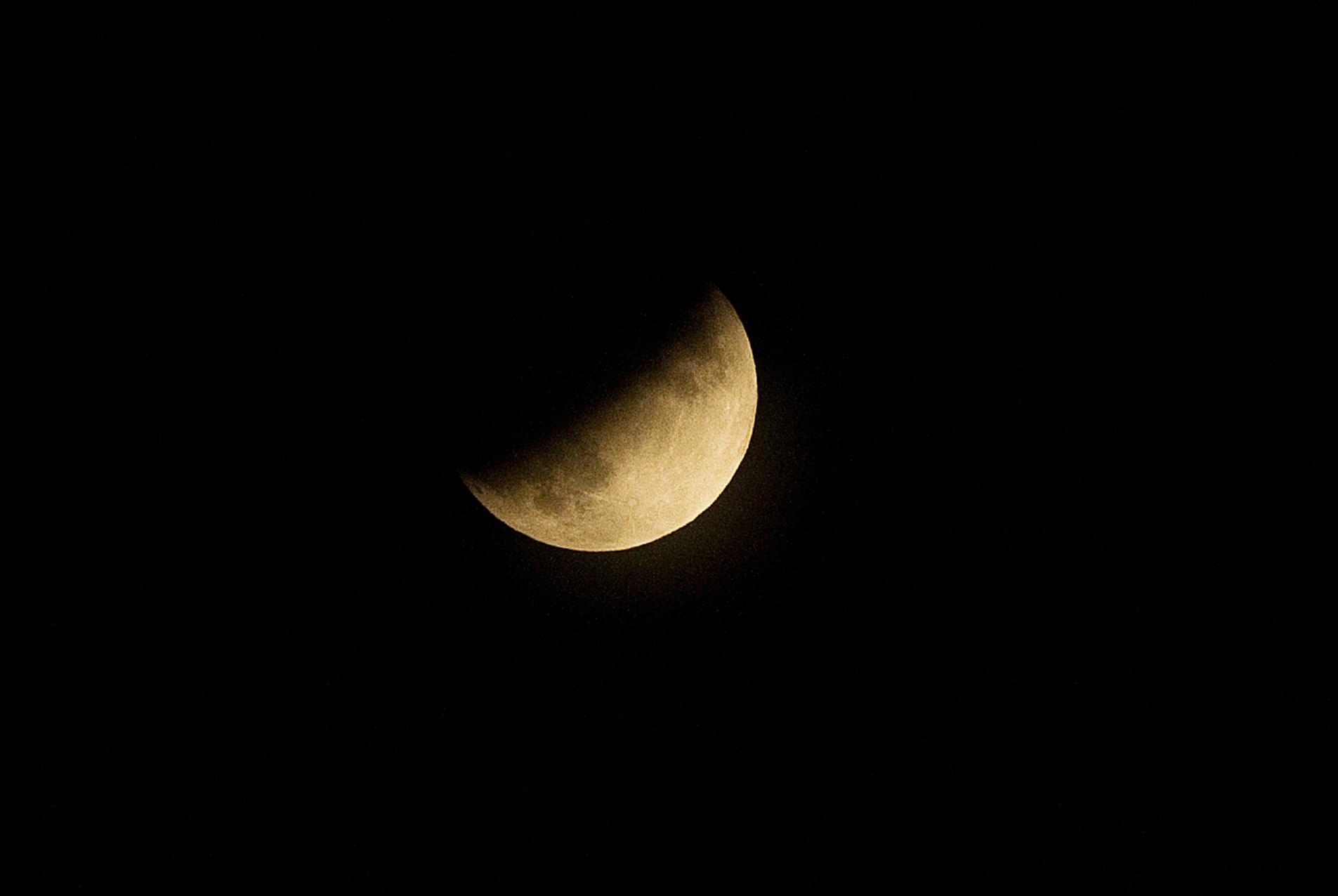 月食_c0051132_22552744.jpg