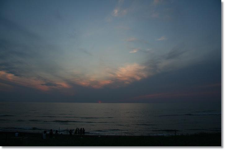 夕日と月食_f0146493_2241854.jpg