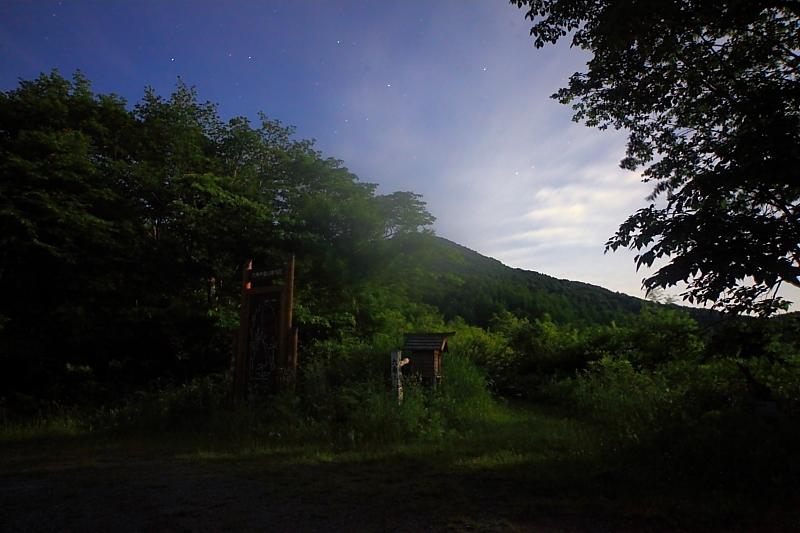 月明かりの六角牛山_f0075075_11152171.jpg
