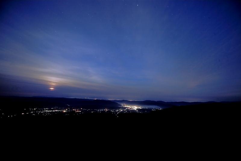 月明かりの六角牛山_f0075075_1128442.jpg
