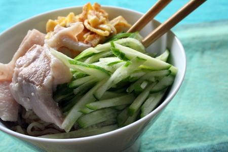 茹で鶏でシンプル冷やし中華_f0141419_557835.jpg