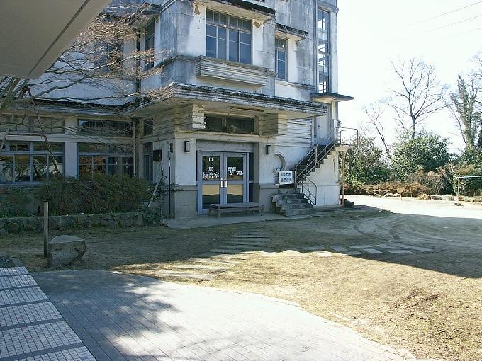 旧屋島登山鉄道山上駅_f0116479_231453.jpg