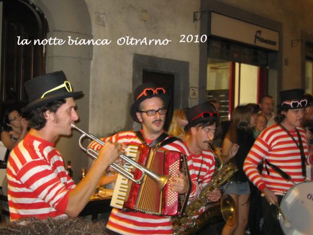 Notte bianca OltrArno(またまた白夜フィレンツェ)_c0179785_6194478.jpg
