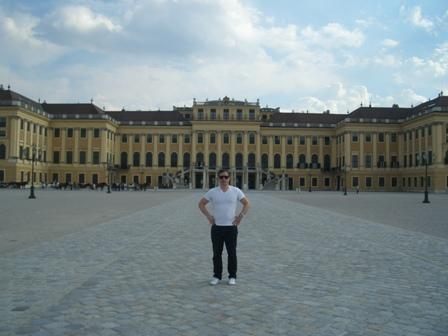 ウィーン シェーンブルン宮殿へ_a0159707_18412983.jpg